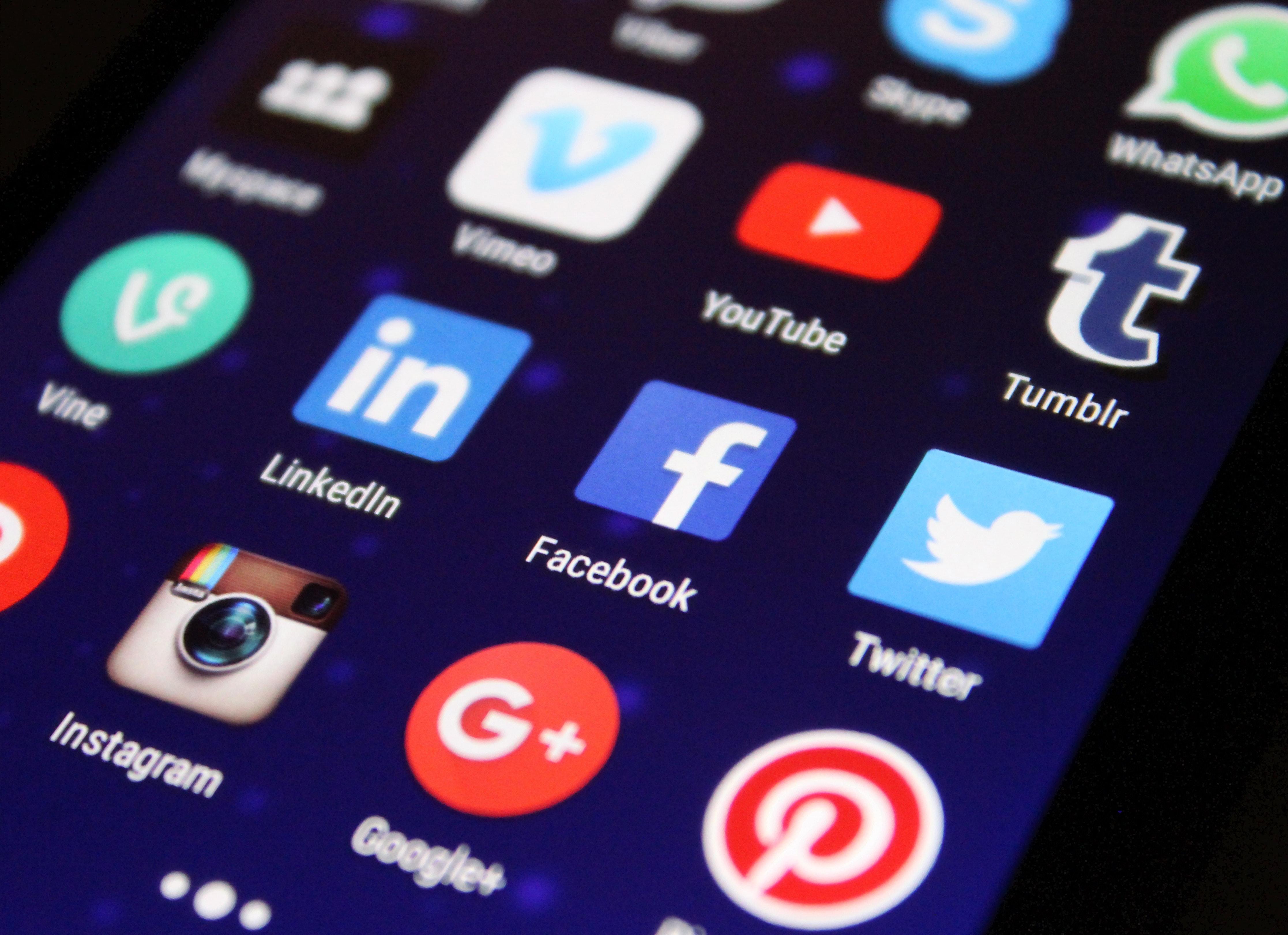 Vaticano, Guterres e o inventor da Internet pedem responsabilidade na rede