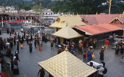 Mulheres entram pela primeira vez em templo hindu interdito