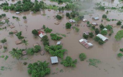 Moçambique: sobe o número de mortos, mobiliza-se a solidariedade
