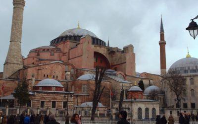 """Santa Sofia vai voltar a ser mesquita. UNESCO teme perda de """"valor universal"""" do monumento"""