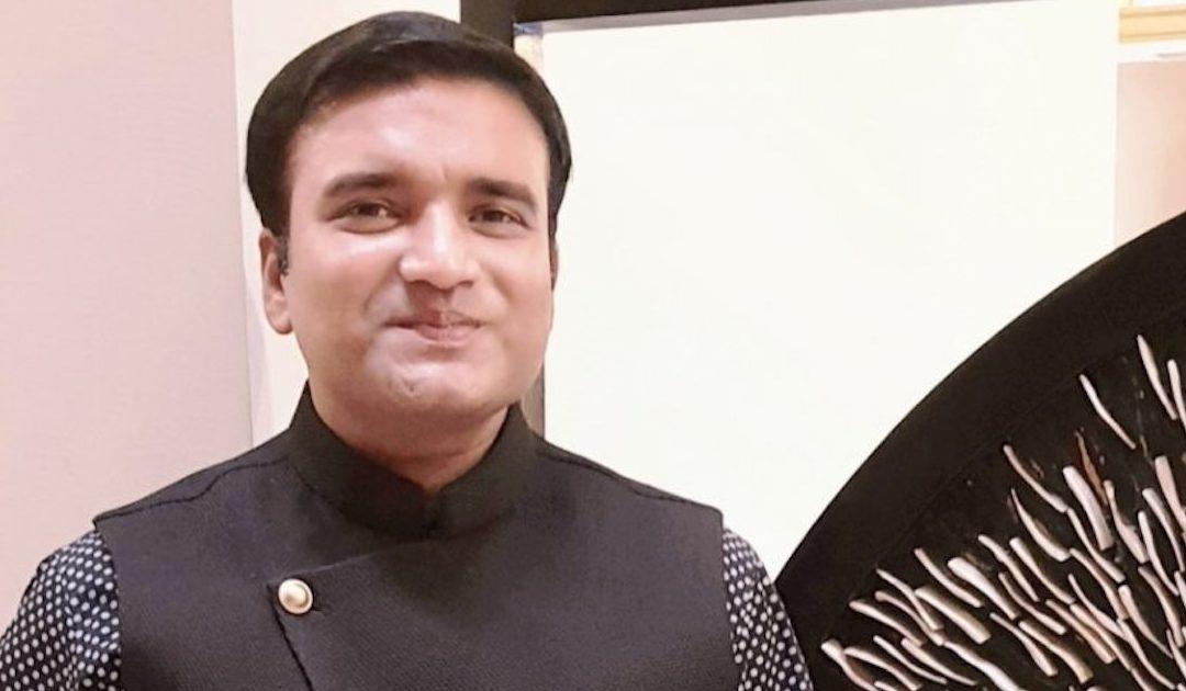 """""""Melhor cidadão da Índia"""" é um padre católico que apoia crianças pobres"""