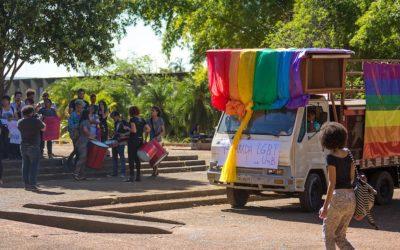 """Grupos católicos LGBT criticam documento do Vaticano sobre a teoria de género, que pretende """"uma via de diálogo"""""""