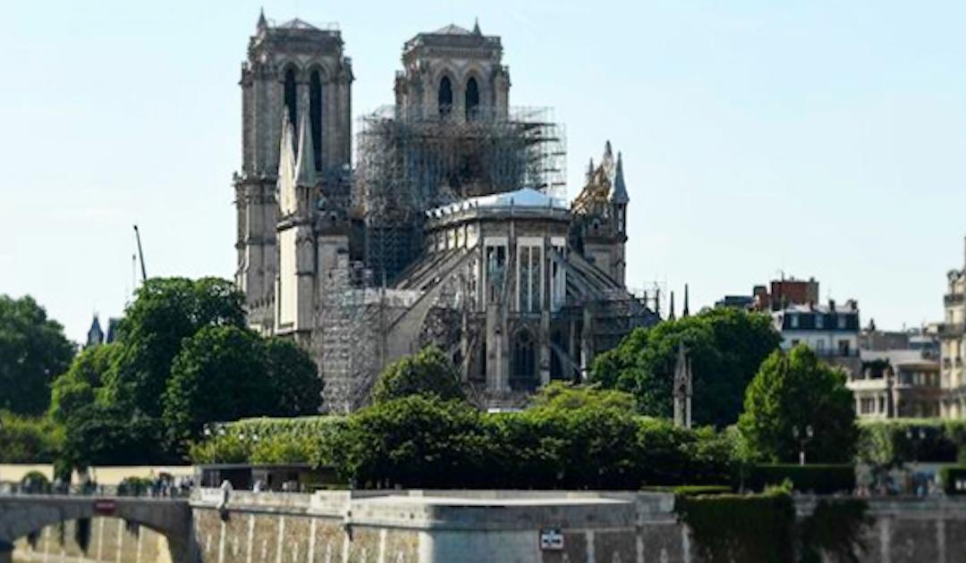Primeira missa depois do incêndio em Notre-Dame é neste sábado; 7M disponibiliza ligação em vídeo