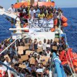 Mais de 900 migrantes chegaram a Lampedusa em poucas horas