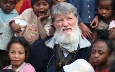 """Papa deixa África e o Índico: A pobreza """"não é inevitável"""""""