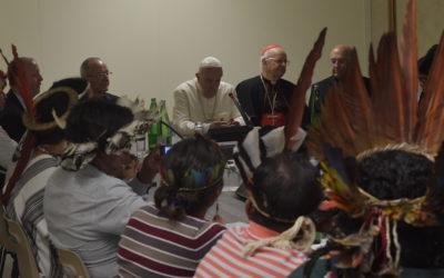 """Teólogo brasileiro do Sínodo: """"O Papa não fechou a porta da ordenação de homens casados"""""""