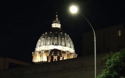 Saída de dois responsáveis da Agência de Informações Financeiras do Vaticano agrava situação do organismo