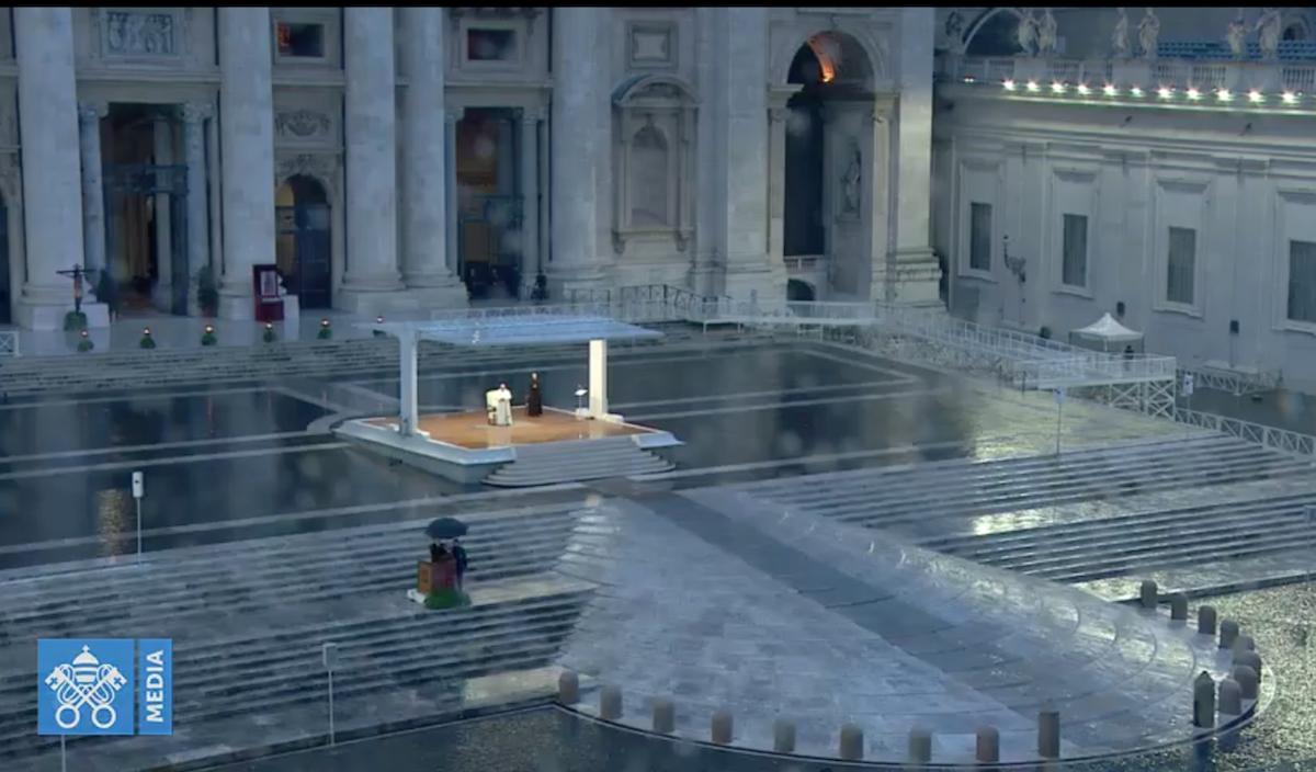 Papa Francisco, durante a Oração pela Humanidade, na Praça de São Pedro.
