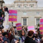 Papa altera regra e confirma possibilidade de mulheres serem leitoras e acólitas, já praticada na maior parte das dioceses