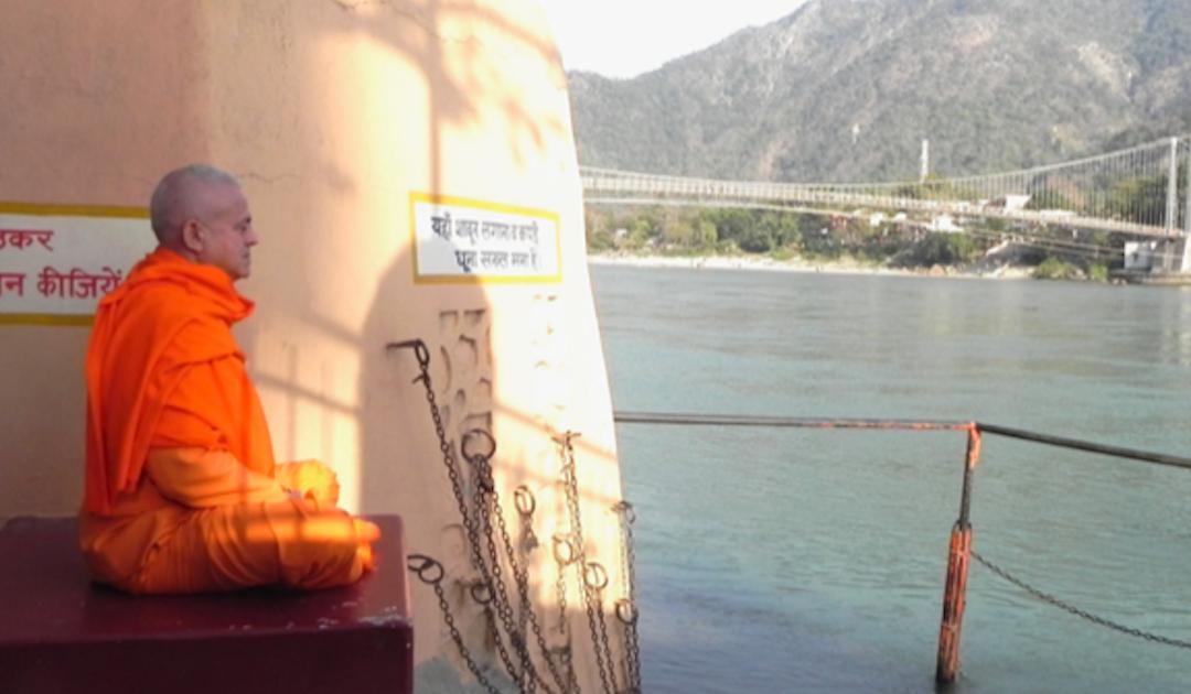 Aulas de ioga passam a ser obrigatórias nas escolas do Nepal