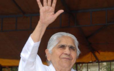 Morreu Dadi Janki, 104 anos, líder da maior organização espiritual da Índia