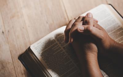 Semana Santa sem povo é para evitar o contágio e não a fé, diz responsável do Vaticano