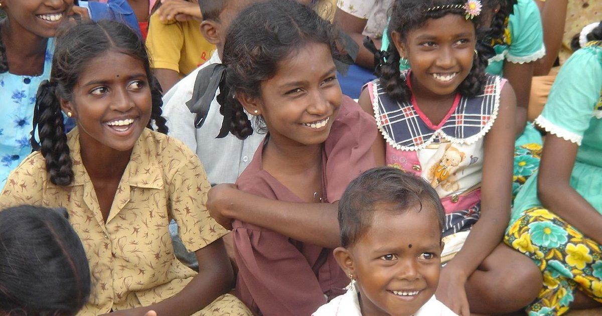 Crianças tamil.