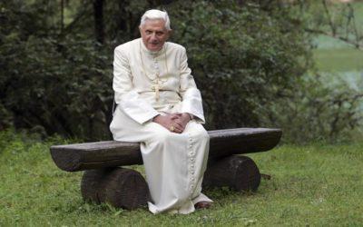 """Sociedade moderna criou """"credo anticristão"""", acusa Ratzinger em nova biografia"""