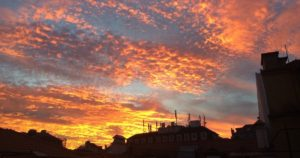 Céu vermelho.