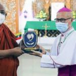 Líder budista de Myanmar doa 10 mil dólares a fundo de emergência criado pelo Papa