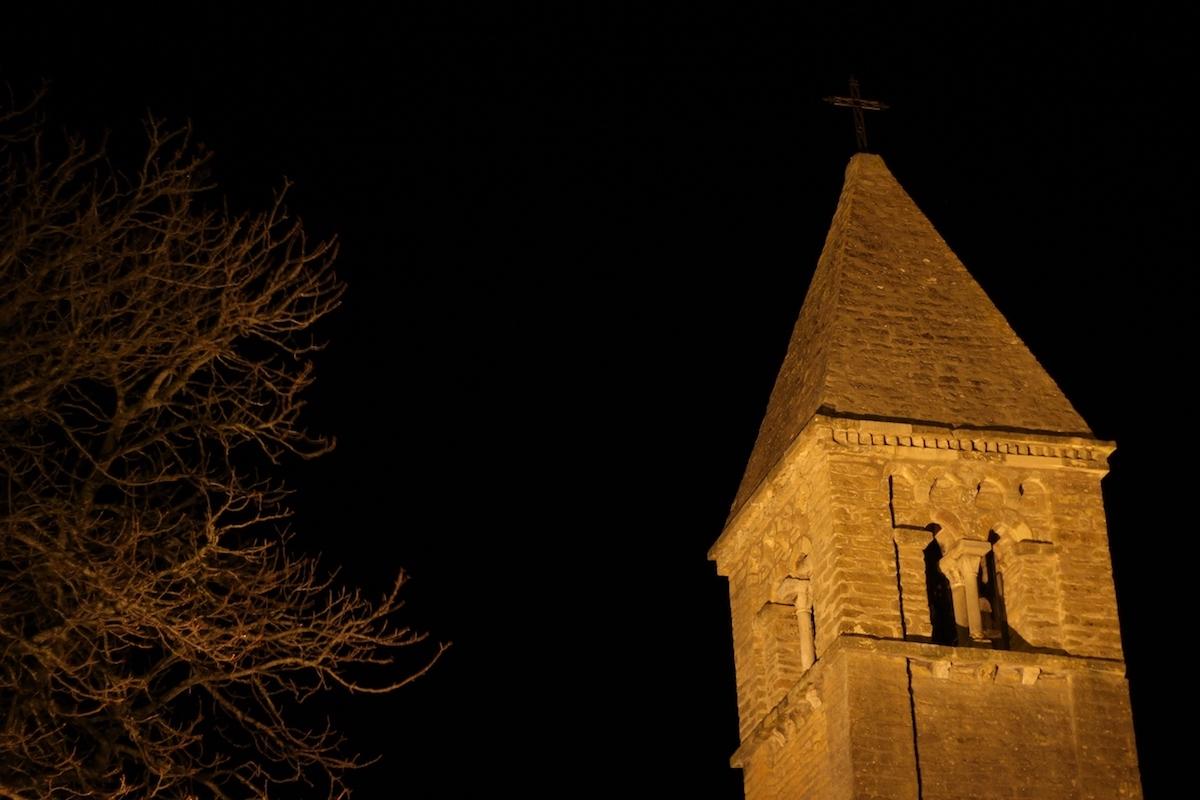 Taizé. Igreja românica.