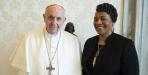 Bernice King com Papa Francisco, em 12_03_2018, Foto Vatican News sem creditos