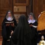 Freiras francesas gravam sete mil horas de canto gregoriano