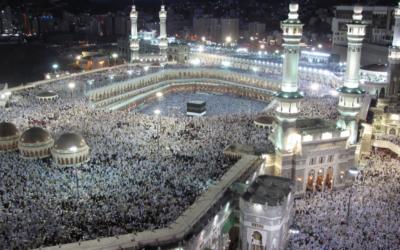 Meca e Medina só aceitam peregrinos imunizados contra a covid-19