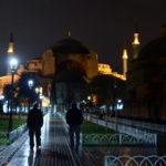 Erdogan convidou o Papa, mas a primeira oração muçulmana em Hagia Sofia arrisca-se a ser uma arma política
