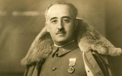 Vaticano nega ter interferido na exumação de Franco
