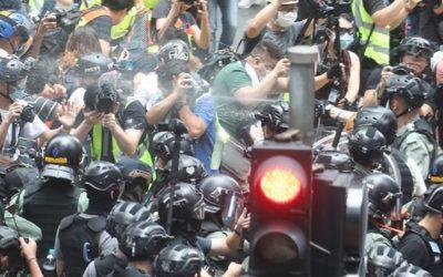 Polícia deteve mais de 300 pessoas nas primeiras horas da nova lei de segurança de Hong Kong