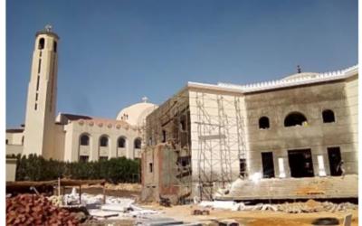 Igreja e mesquita construídas lado a lado no Egito, em sinal de unidade