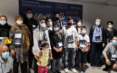 Itália acolhe 10 refugiados, Reino Unido recusa entrada a 200