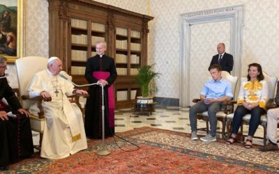 O Papa Francisco confessa a Juliette Binoche e mais 14 como foi a sua conversão ecológica