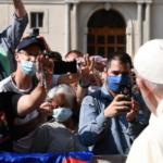 """A """"rentrée"""" do Papa: 4 livros novos, uma encíclica, presenças """"online"""" e enviados que vão onde ele não pode ir"""