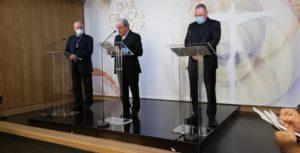 Fátima. Conferência de imprensa. António marto (c), José Ornelas (esq) e padre Carlos Cabecinhas (d)