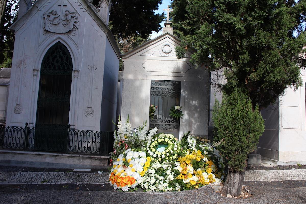 Cemitério. Morte.