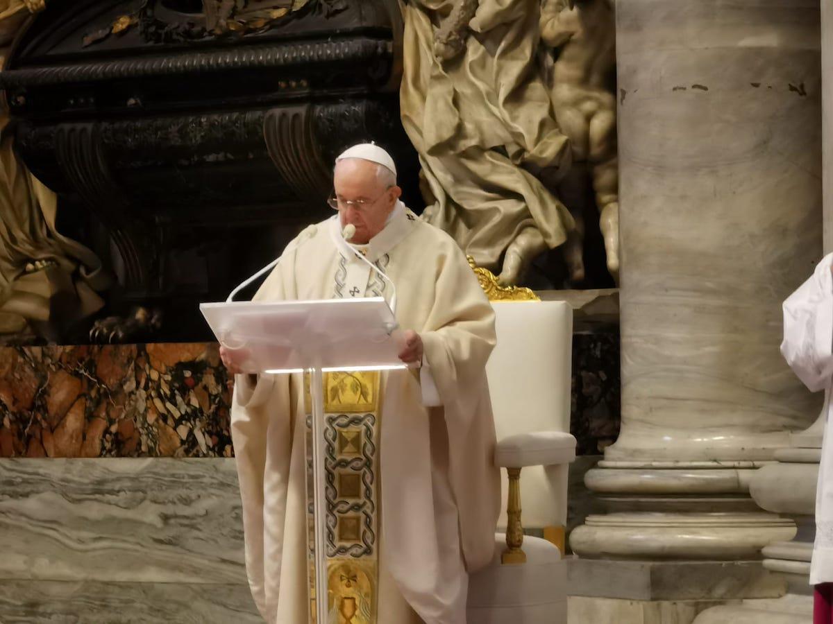 Missa Papa Cristo-Rei- Entrega dos símbolos da JMJ a Lisboa.