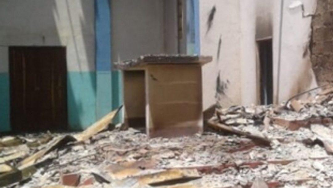 """Violência e saque continuam em Cabo Delgado: """"Esta é a dor de um povo"""", diz missionário refugiado em Pemba"""