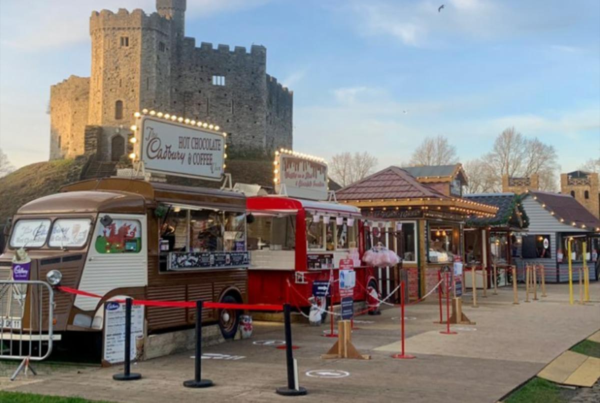 Christmas at the Castle, feira de Natal em Cardiff, País de Gales.
