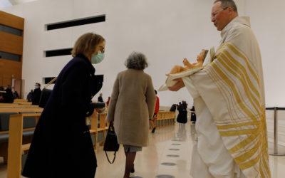 Igreja Católica retoma celebrações na segunda-feira, dia 15