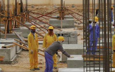 """Mundial de 2022: FIFA diz que mais de 6500 migrantes mortos na construção civil são """"um número baixo"""""""