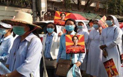 Líderes de todas as religiões da Birmânia pedem contenção aos militares e oferecem mediação