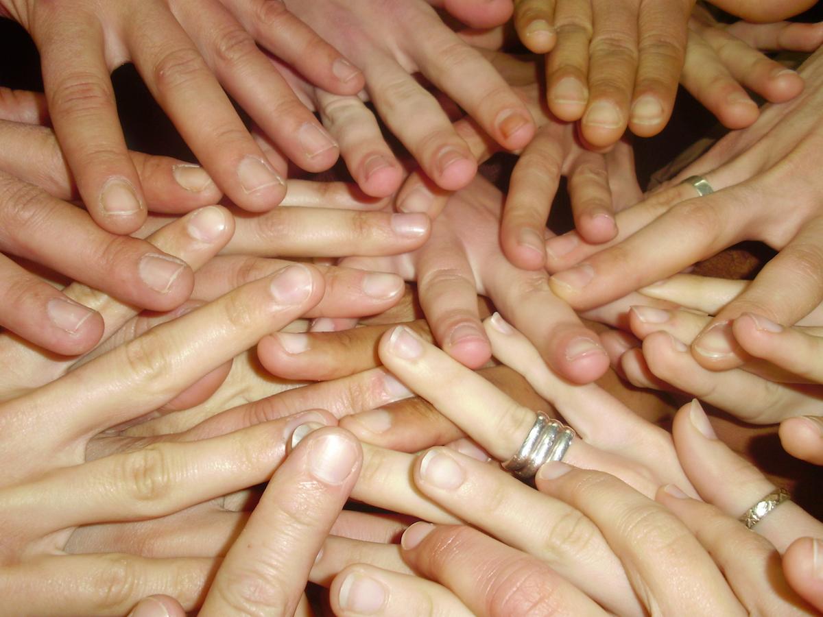 Mãos. Teatro TUT