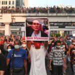Milhares nas ruas no fim-de-semana contra o golpe na Birmânia, com o Papa a pedir democracia