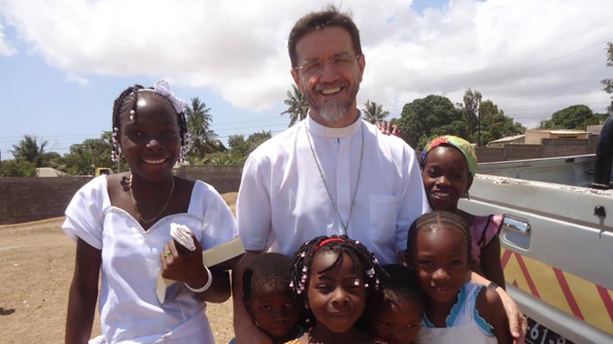 Fernando Luiz Lisboa, Pemba, Moçambique, Bispo