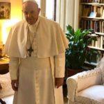 Papa fez visita-surpresa a Edith Bruck, escritora e sobrevivente da Shoah, a quem agradeceu pelo testemunho