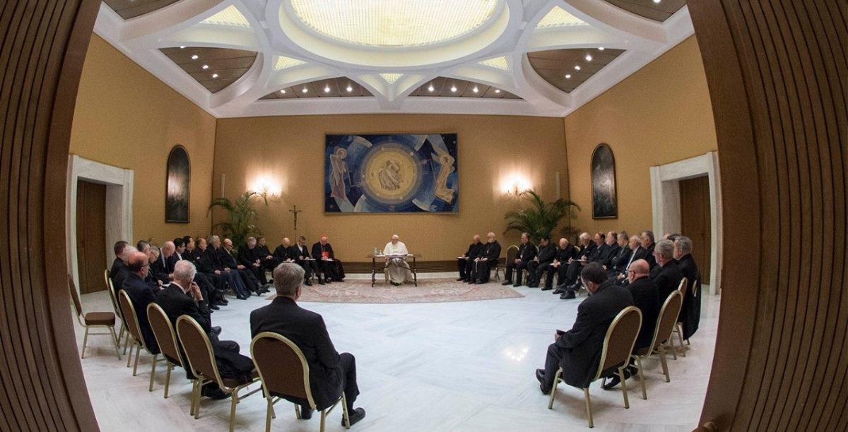 Encontro do Papa com os bispos chilenos em 2018 Foto Vatican News sem creditos