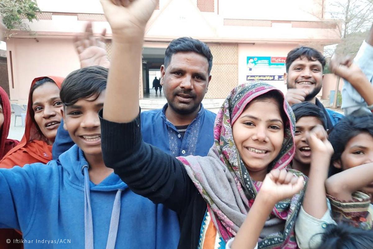 Farah Shaheen, Paquistão, casamento forçado