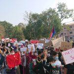 Aumentam ataques dos militares contra milícias anti-junta