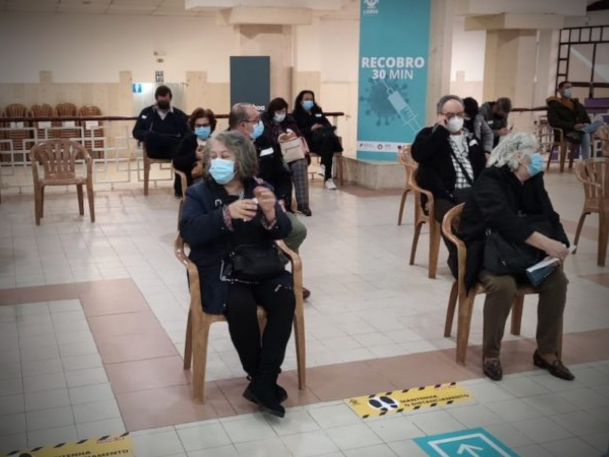 Vacinação contra a covid-19 no centro da Comunidade Hindu de Portugal em Telheiras, Lisboa. Foto: Direitos reservados