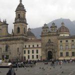 Dezanove padres suspensos na Colômbia por suspeitas de participação em rede de abusadores