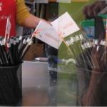 Mãos à obra (8) – Lápis que escrevem histórias felizes