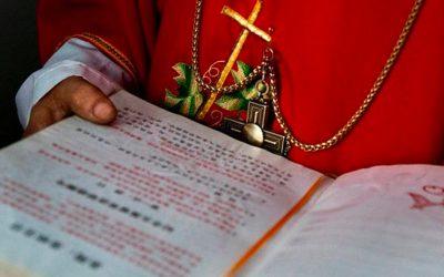 Pequim aumenta repressão sobre a igreja católica